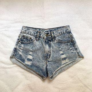 acid washed demin shorts