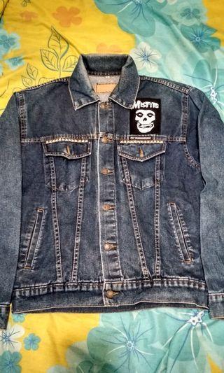 Denim jaket size M fit L full patch