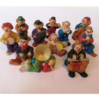 Handpainted Clown Musical clay figurine (set of 11) - Good condition!