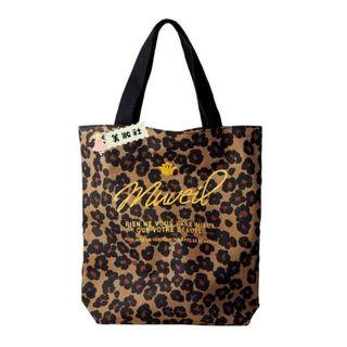 《In Red - 2015年 4月號》MUVEIL豹紋圖案Tote Bag ($30)