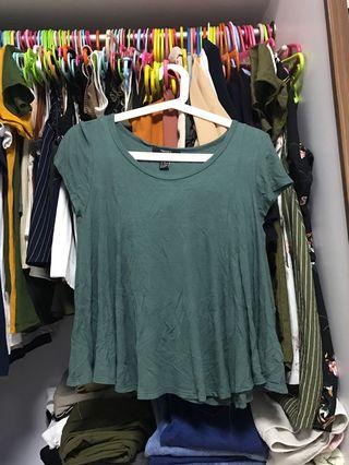 Green ribbed flowy top