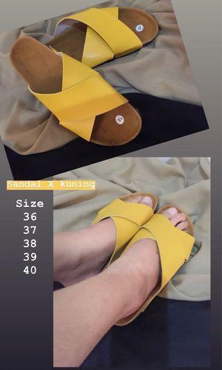 Sandal squed
