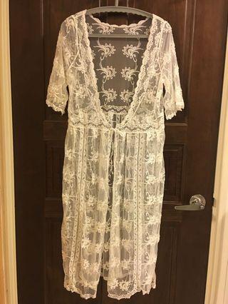 🚚 短袖蕾絲長版罩衫(白色)