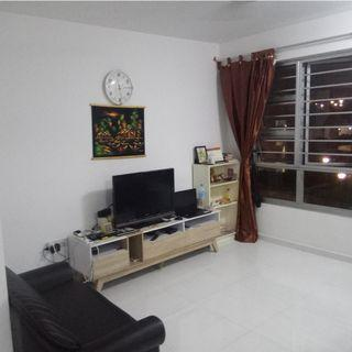 Rent Common room - sembwang cres