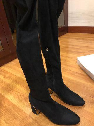 Zara Over-the-Knee Black Velvet Boots - perfect for winter/fall fashion!