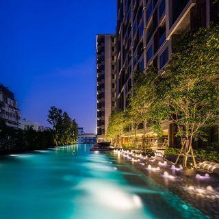 Dual Key Freehold Condominium Below Market next to Shopping Mall