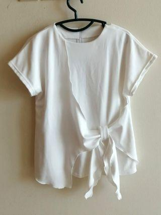 White Blouse putih