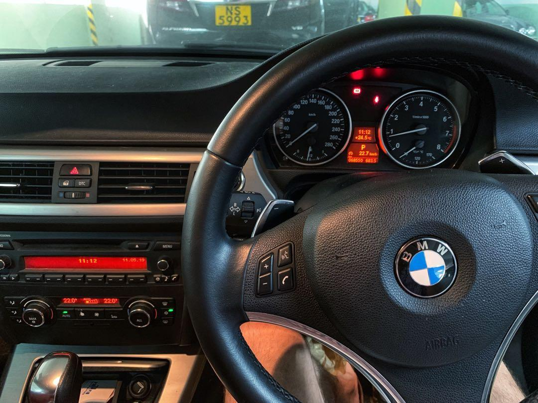 BMW 323I CONV 2010