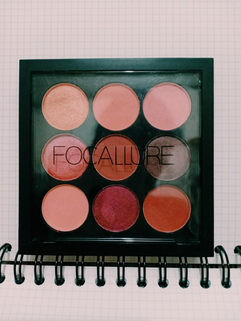 FOCALLURE NINE EYE SHADOW PALLETE