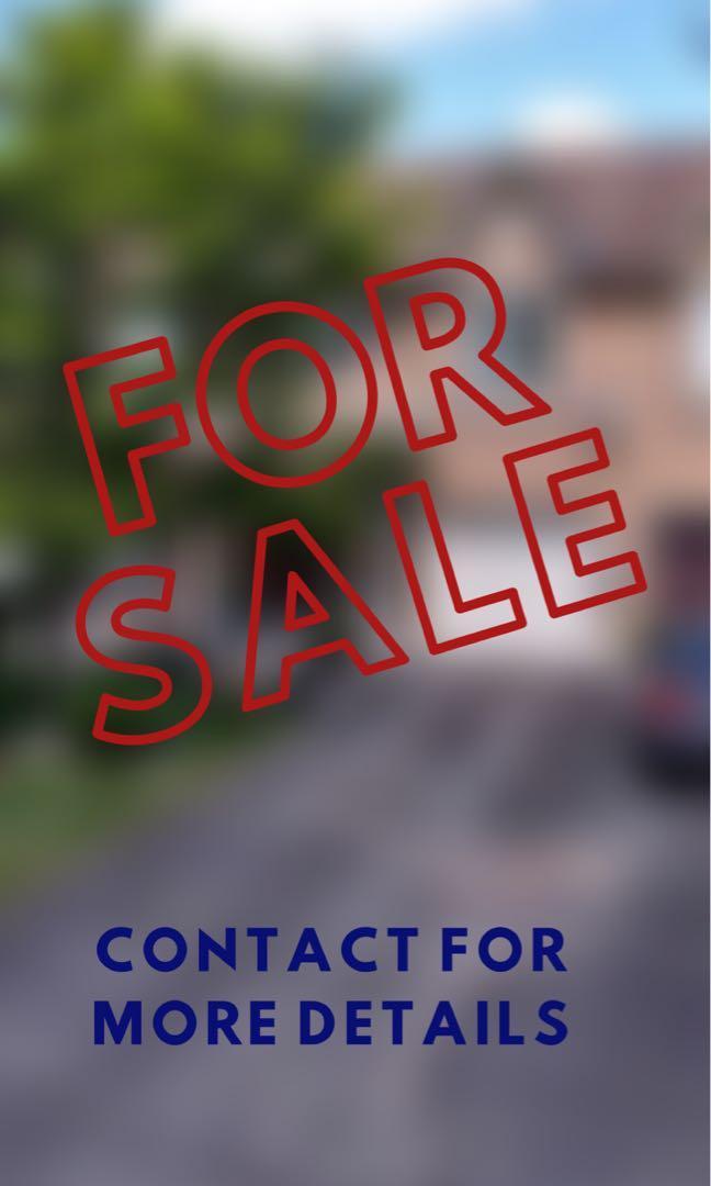 Freehold Townhome in Oak Ridge Area (Bathurst/Bloomington)
