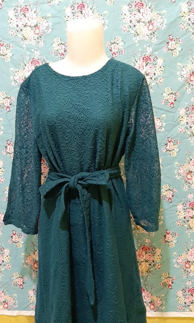 Gaun lace