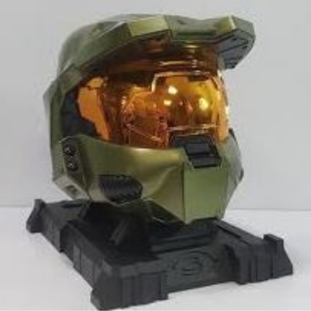 Halo 3 legendary edition master chief collectors helmet with stand.