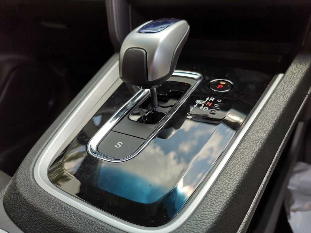 Honda Shuttle Hybrid 1.5 (A) FACELIFT