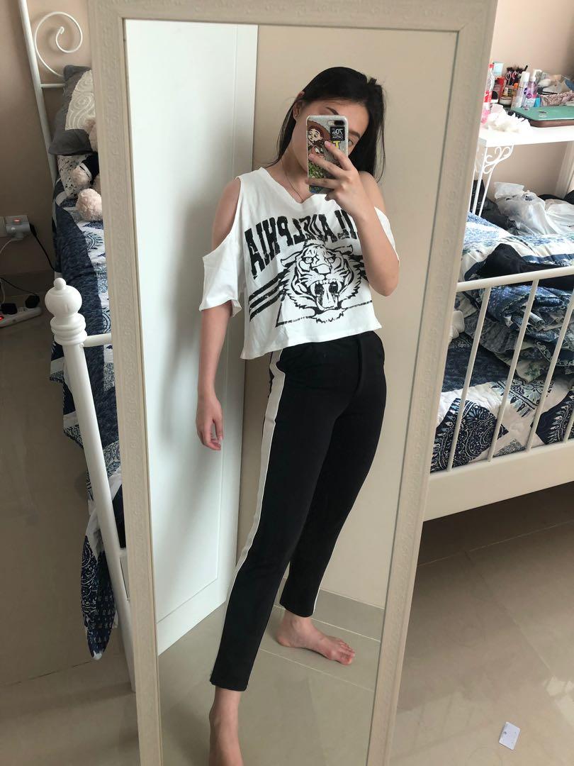 Legging Pinggir Garis Putih Legging Enak Legging Jalan Leging Celana Ketat Hitam Legging Hitam Fesyen Wanita Pakaian Wanita Bawahan Di Carousell