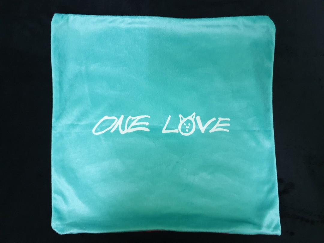 [Loose Item] UT.O.PIA Double-Sided Photo Cushion Cover Ver. B