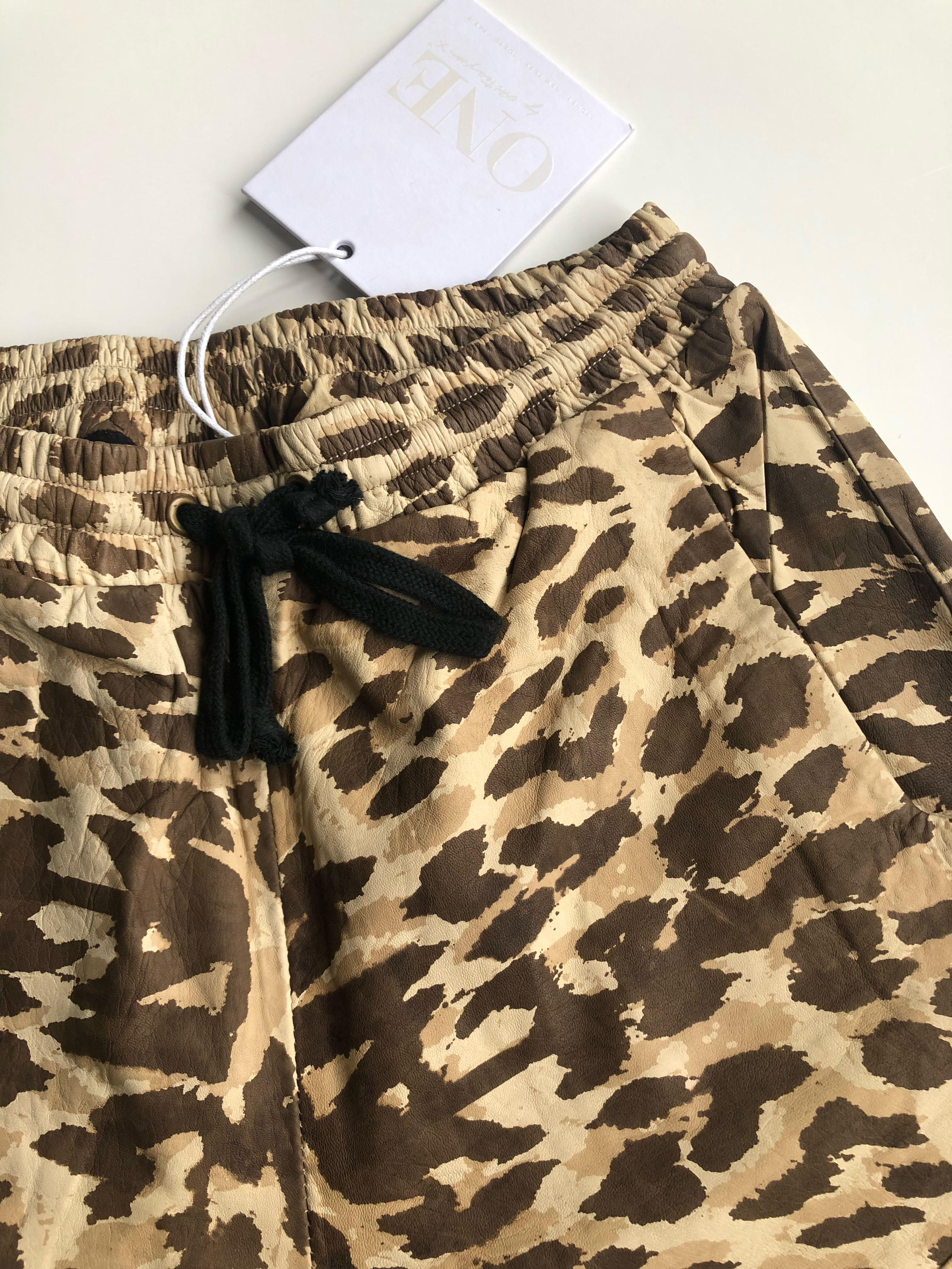 One teaspoon leather track shorts. Brand new Size small reg $250