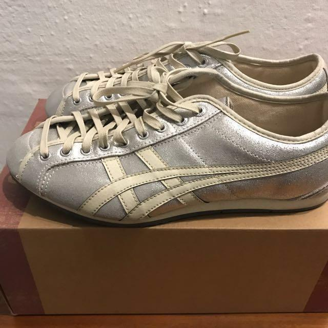 new arrival 5d5d1 2b4f7 Rare Onitsuka Tiger Silver Shoes US 7.5, Women's Fashion ...