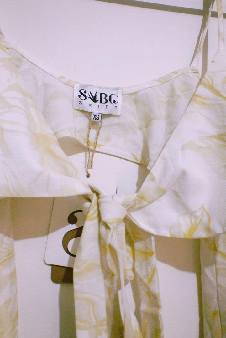 SABO SKIRT Yellow & White Bandeau Off-Shoulder Sleeved Top