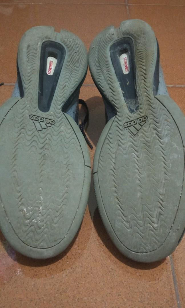 Sepatu basket adidas, size 43,5