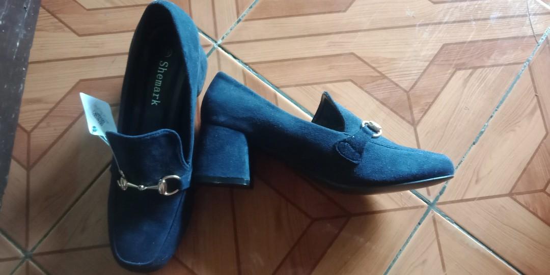 Sepatu blue navy