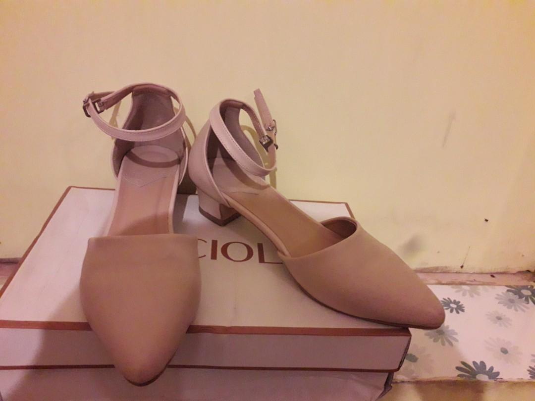 Sepatu Lucciola