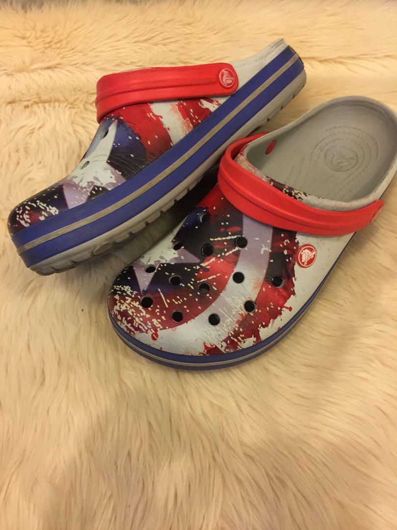 Sepatu sendal Crocs original edisi Avengers Captain america size 9 setara 42, 42.5