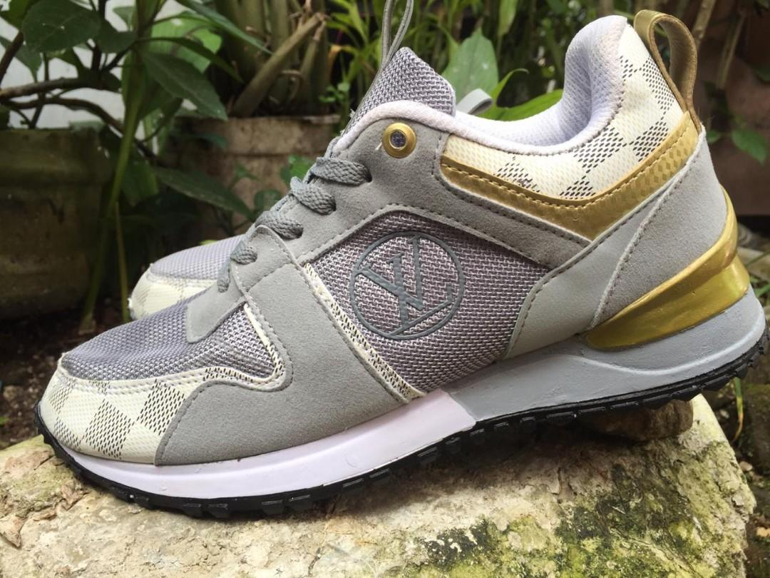 Sepatu Sneaker LV Abu premium quality No.39