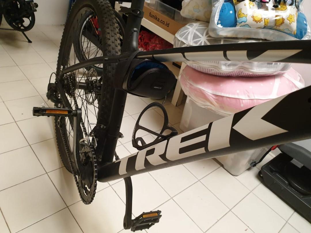 Sepeda MTB Trek Marlin 5 Mulus Jarang Pakai