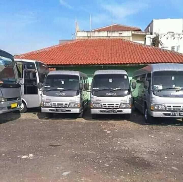 Sewa bus wisata kota Batam