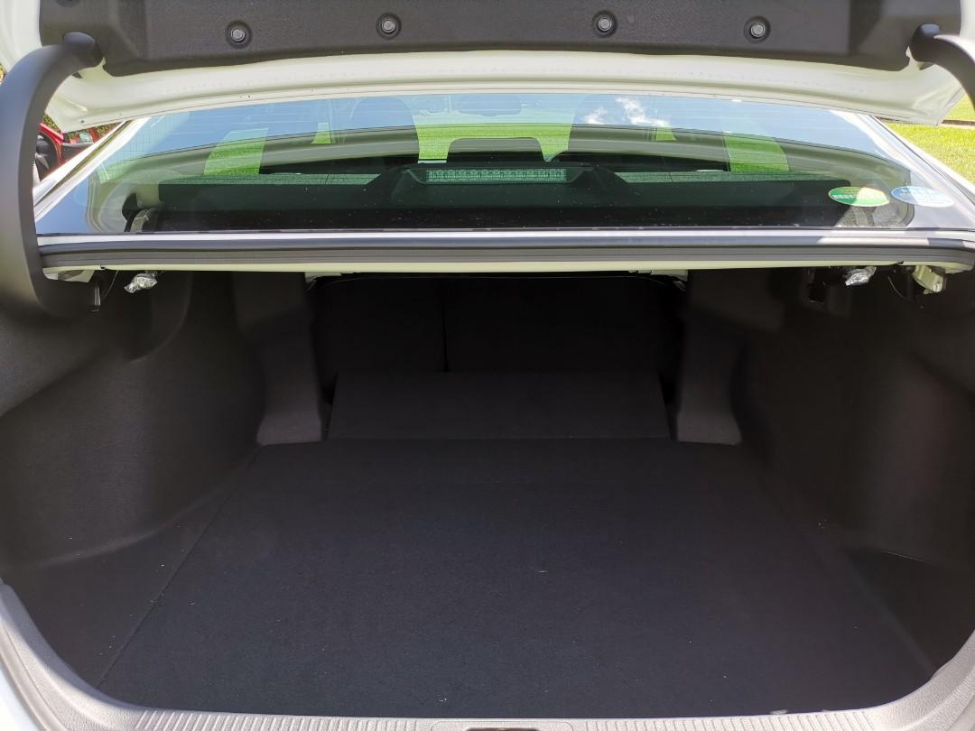 Toyota Camry Hybrid 2.5 G (A)