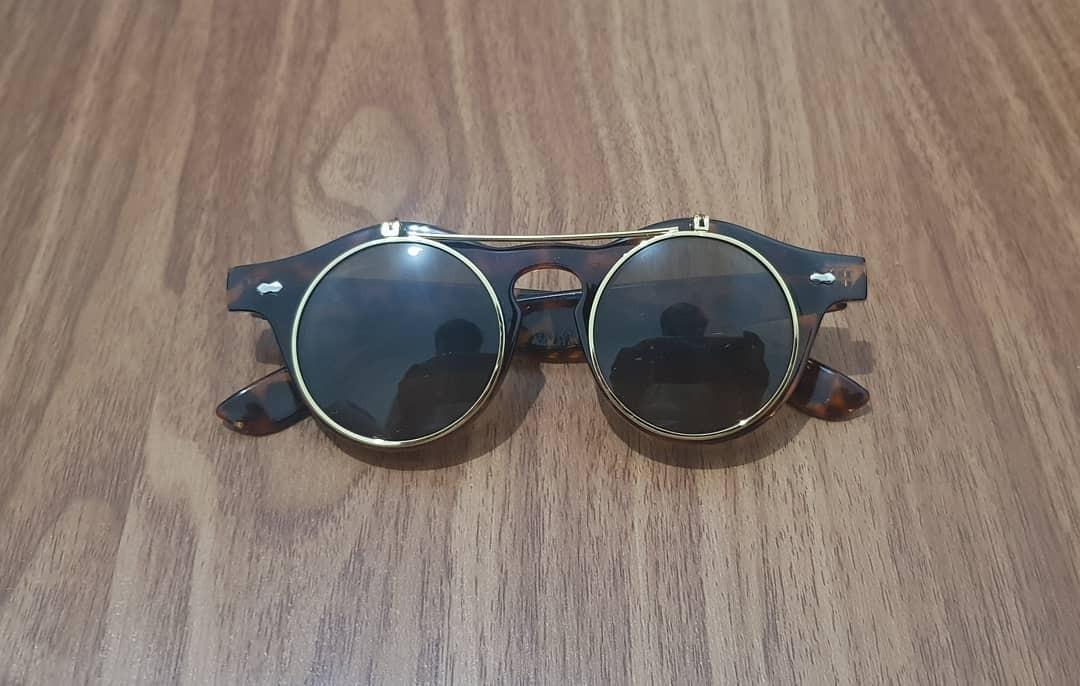 Vintage Glasses ( Lennon )
