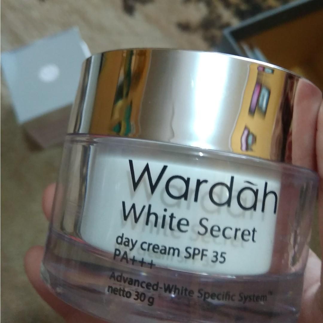 Wardah Day Cream White Secret