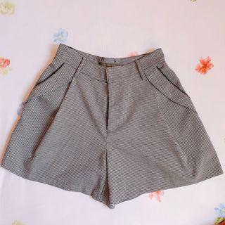 Smork High Waist Grey Checkered Shorts