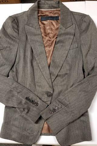 Zara women blazer (Grey color )