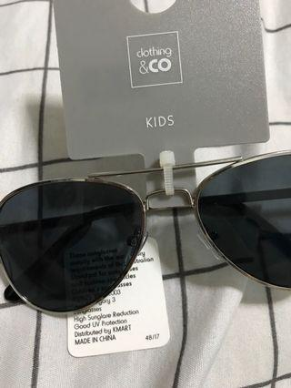 🚚 Children sunglasses