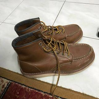 Red wing [reduced price]