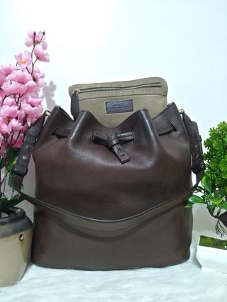 30016561e leather bag   Bags & Wallets   Carousell Philippines