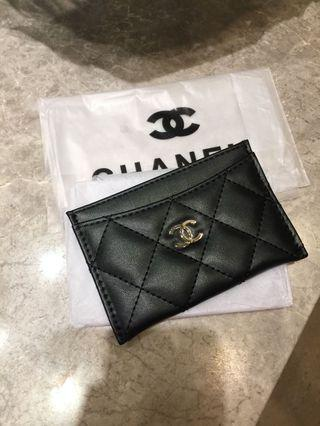 Chanel quilted lambskin like card holder