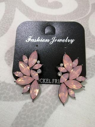 🚚 EARRINGS CLEARANCE 2 (3 FOR $10)