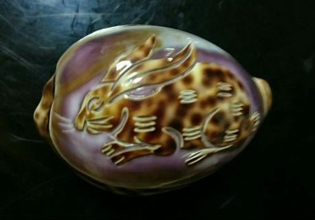 早期貝殼雕刻工藝品(兔子)