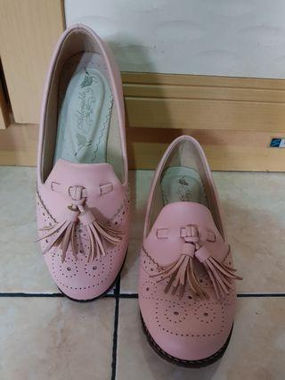 Sepatu Mini Heels Adorable Project