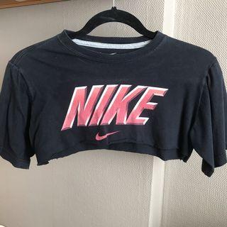 Vintage Nike super crop top