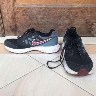 Nike Running Shoes Sepatu Lari Sneakers size 36 1/2 atau 36.5