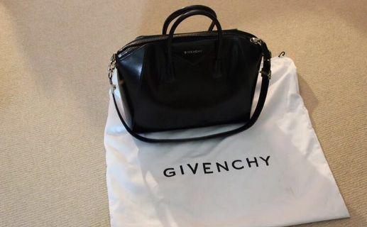 Givenchy Antigona, black leather