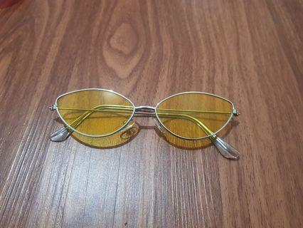 Vintage disco yellow glasses