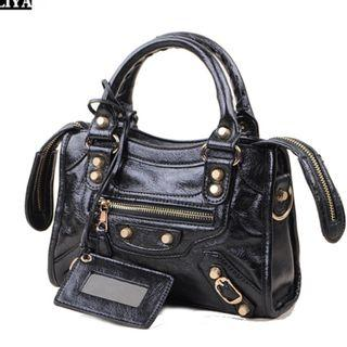 🚚 [INSTOCKS] Gold Hardware Studded Casual Sling Bag Handbag