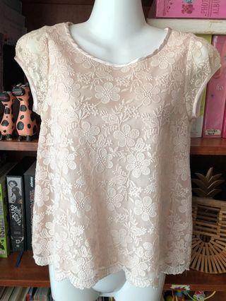 Cream lace floral blouse top S