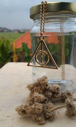 Harry Potter - Deathly Hallows Necklace