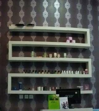 Hanging Shelves utk Product Display
