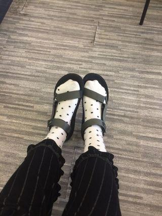 Hijack sandal
